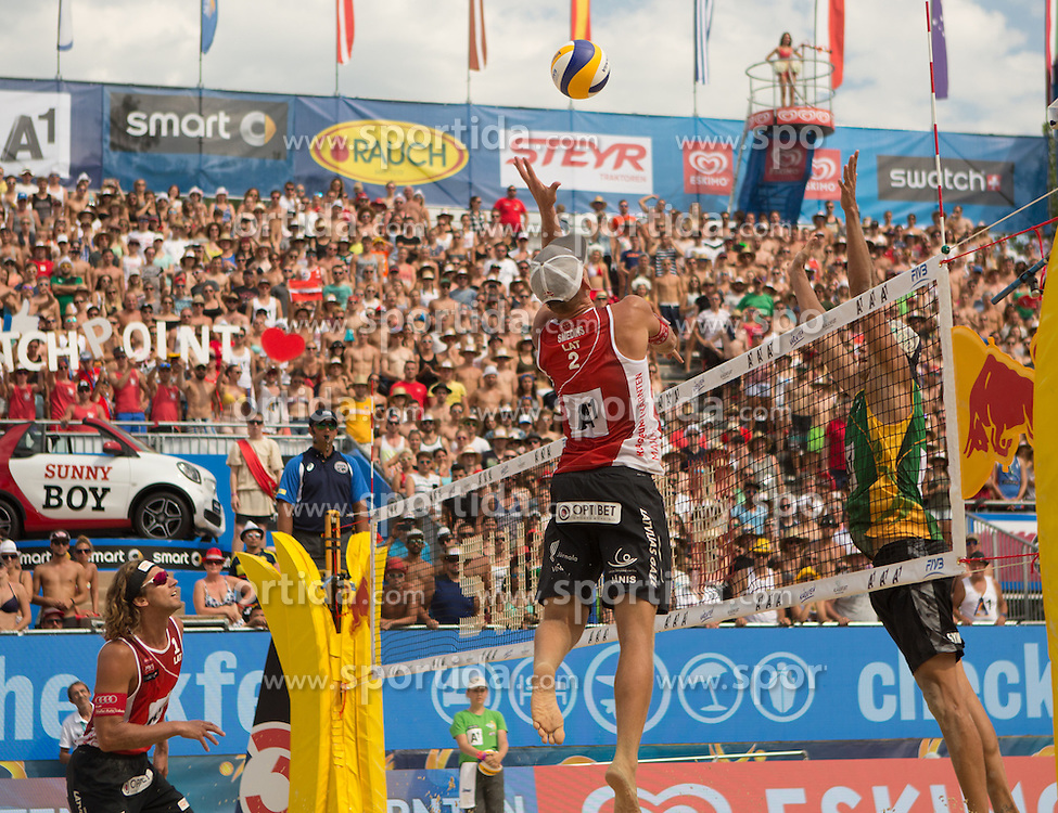 31.07.2016, Strandbad, Klagenfurt, AUT, FIVB World Tour, Beachvolleyball Major Series, Klagenfurt, Herren, im Bild Aleksandrs Samoilovs (1, LAT), Janis Smedins (2, LAT), Gustavo Carvalhaes (1, BRA), Saymon Barbosa Santos (2, BRA) // during the FIVB World Tour Major Series Tournament at the Strandbad in Klagenfurt, Austria on 2016/07/31. EXPA Pictures © 2016, PhotoCredit: EXPA/ Gert Steinthaler