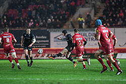 Ospreys' Sam Davies puts in a kick - Mandatory by-line: Craig Thomas/Replay images - 26/12/2017 - RUGBY - Parc y Scarlets - Llanelli, Wales - Scarlets v Ospreys - Guinness Pro 14