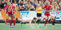 AMSTERDAM - Hockey - Michelle van der Pols (Neth) onderuit.    Interland tussen de vrouwen van Nederland en Groot-Brittannië, in de Rabo Super Serie 2016 .  COPYRIGHT KOEN SUYK