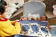 Marrakech, Maroc. 21 Decembre 2007..La niece de Mustapha...Marrakesh, Morocco. December 21st 2007..Mustapha's niece