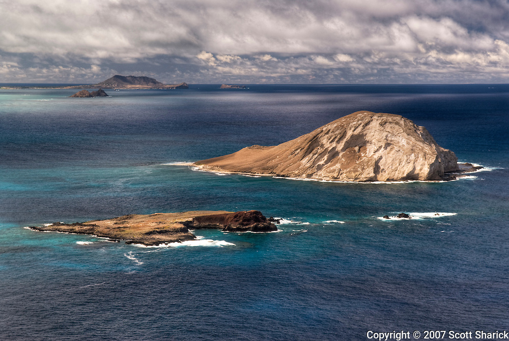 A picture of Waimanalo Bay with Rabbit Island.