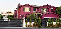 LA: Bella Thorne Paints her House Purple - 8 Aug 2017