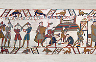 11th Century Medieval Bayeux Tapestry - Scene 45 - Fortified cam built by Williams men .<br /> <br /> If you prefer you can also buy from our ALAMY PHOTO LIBRARY  Collection visit : https://www.alamy.com/portfolio/paul-williams-funkystock/bayeux-tapestry-medieval-art.html  if you know the scene number you want enter BXY followed bt the scene no into the SEARCH WITHIN GALLERY box  i.e BYX 22 for scene 22)<br /> <br />  Visit our MEDIEVAL ART PHOTO COLLECTIONS for more   photos  to download or buy as prints https://funkystock.photoshelter.com/gallery-collection/Medieval-Middle-Ages-Art-Artefacts-Antiquities-Pictures-Images-of/C0000YpKXiAHnG2k