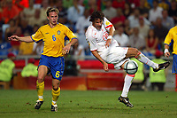 Faro 27/6/2004 Euro2004 <br />Svezia - Olanda 4-5 after penalties (0-0) <br />Ruud Van Nistelrooy of Netherlands and Tobia Linderoth of Sweden<br />Photo Andrea Staccioli Graffiti