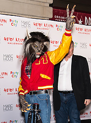 "Heidi Klum dressed as Michael Jackson's ""Thriller"" werewolf during a sidewalk performance at Heidi Klum's 18th Annual Halloween Party at Magic Hour Rooftop Bar & Lounge in New York. 31 Oct 2017 Pictured: Heidi Klum. Photo credit: MEGA TheMegaAgency.com +1 888 505 6342"