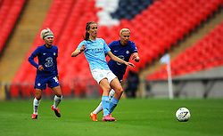Jill Scott of Manchester City Women looks for a pass- Mandatory by-line: Nizaam Jones/JMP - 29/08/2020 - FOOTBALL - Wembley Stadium - London, England - Chelsea v Manchester City - FA Women's Community Shield