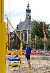 20150618 NED: WK Beach volleybal training op het Spui, Den Haag<br /> De Nederlandse beachers hebben vandaag hun tweede training gehad op de WK trainingsvelden. Op het Spuiplein werden de velden druk bezocht / Robert Meeuwsen