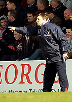 Photo: Alan Crowhurst.<br />Brentford v Bradford City. Coca Cola League 1. 08/04/2006. Bradford coach Colin Todd.