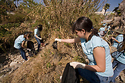 River School Day clean up of the LA River sponsered by FoLAR (Friends of the Los Angeles River), Glendale Narrows, Los Angeles, California, USA