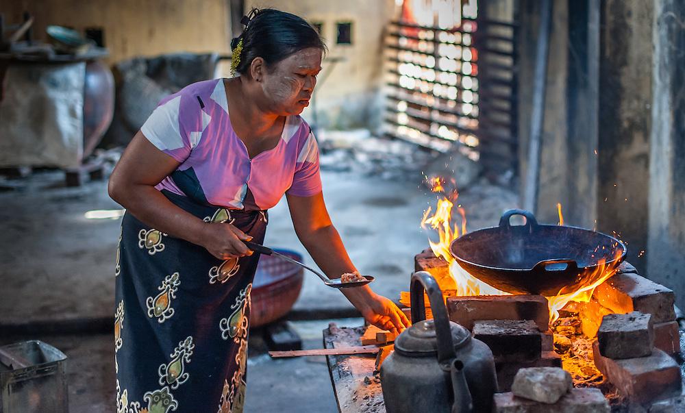 Cook at Kha Khat Wain Kyaung Monastery Kitchen (Bago, Myanmar)