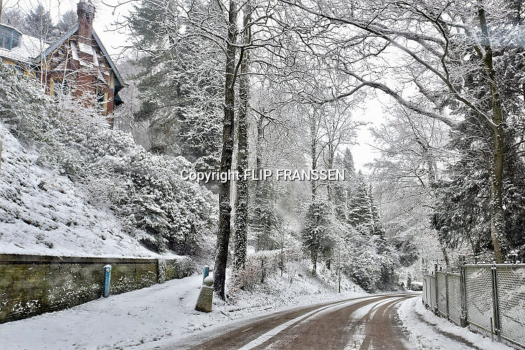 Nederland, Ubbergen, 11-11-2017Overvloedige sneeuwval heeft het land in haar greep.Foto: Flip Franssendgfoto de gelderlander editie nijmegen