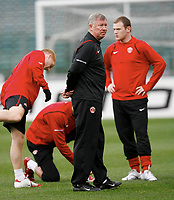 Photo: AF Wrofoto/Sportsbeat Images.<br />Manchester United training session. UEFA Champions League. 03/04/2007.<br />Sir Alex Ferguson with Wayne Rooney during training.