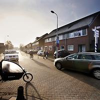 Nederland, Amsterdam , 11 maart 2015.<br /> Schijnbaar gevaarlijke t-splitsing nabij Basisschool t'Twiske in Amsterdam Noord op de kruising Stentorstraat en Pandorinastraat <br /> Foto:Jean-Pierre Jans