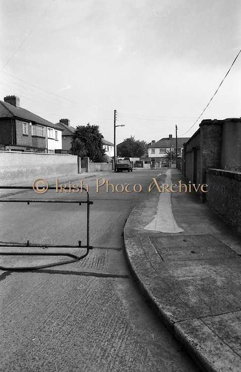 Credit Union Official Shot Dead In Artane. (R63)..1987..25.08.1987..08.25.1987..25th August 1987..While depositing takings in the night safe of Allied Irish Bank in Artane, Mr Michael Thackaberry was confronted by two armed raiders. The raiders snatched the money and made off on foot. Mr Thackaberry gave chase and was gunned down by one of the raiders as he attempted to recover the money. Mr Thackaberry died at the scene of the shooting...Image shows a view of Danieli Drive ,Artane where Mr Michael Thackaberry died trying to retrieve the money which was stolen.