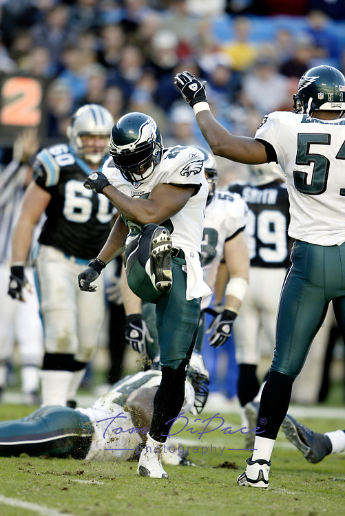 Philadelphia Eagles Brian Dawkins plays in a game against the Carolina Panthers on September 12,2004.<br /> <br /> (Tom DiPace )