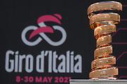 Foto  Marco Alpozzi/LaPresse <br /> 15 maggio 2021 Italia<br /> Sport Ciclismo<br /> Giro d'Italia 2021 - edizione 104 - Tappa 8 - Da Foggia a Guardia Sanframondi (km 170)<br /> Nella foto: Trofeo Senza Fine <br /> <br /> Photo  Marco Alpozzi/LaPresse<br /> May 15, 2021  Italy  <br /> Sport Cycling<br /> Giro d'Italia 2021 - 104th edition - Stage 8 - from Foggia to Guardia Sanframondi <br /> In the pic: Endless Trophy