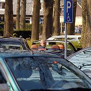 Jaap van Zweden in zijn auto Laren