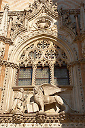 Sculpture of a Doge and the Lion of Venice above a door of Doges Palace - Venice Italy .<br /> <br /> Visit our ITALY HISTORIC PLACES PHOTO COLLECTION for more   photos of Italy to download or buy as prints https://funkystock.photoshelter.com/gallery-collection/2b-Pictures-Images-of-Italy-Photos-of-Italian-Historic-Landmark-Sites/C0000qxA2zGFjd_k<br /> <br /> <br /> Visit our MEDIEVAL PHOTO COLLECTIONS for more   photos  to download or buy as prints https://funkystock.photoshelter.com/gallery-collection/Medieval-Middle-Ages-Historic-Places-Arcaeological-Sites-Pictures-Images-of/C0000B5ZA54_WD0s