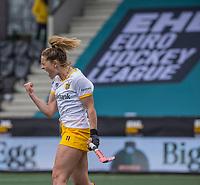 AMSTELVEEN - Pien Sanders (DenBosch) heeft de shoot out gescoord ,  tijdens de halve finale wedstrijd dames EURO HOCKEY LEAGUE (EHL),  Amsterdam-HC Den Bosch. (1-1) Den Bosch wint shoot outs en plaats zich voor de finale.  COPYRIGHT  KOEN SUYK