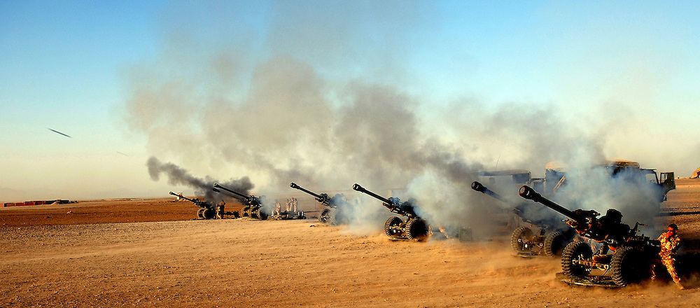 © licensed to London News Pictures. IRAQ . FILE PICTURE.  L118 Light Guns. Please see special instructions. Photo credit should read Andre Chittock/LNP.