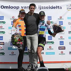 16-04-2016: Wielrennen: IJsseldelta Topcompetitie vrouwen: Zwolle<br /> ZWOLLE (NED) wielrennen <br /> leiderstruien topcompetitie U23 Floortje Mackay, vrouwen Anna van der Breggen
