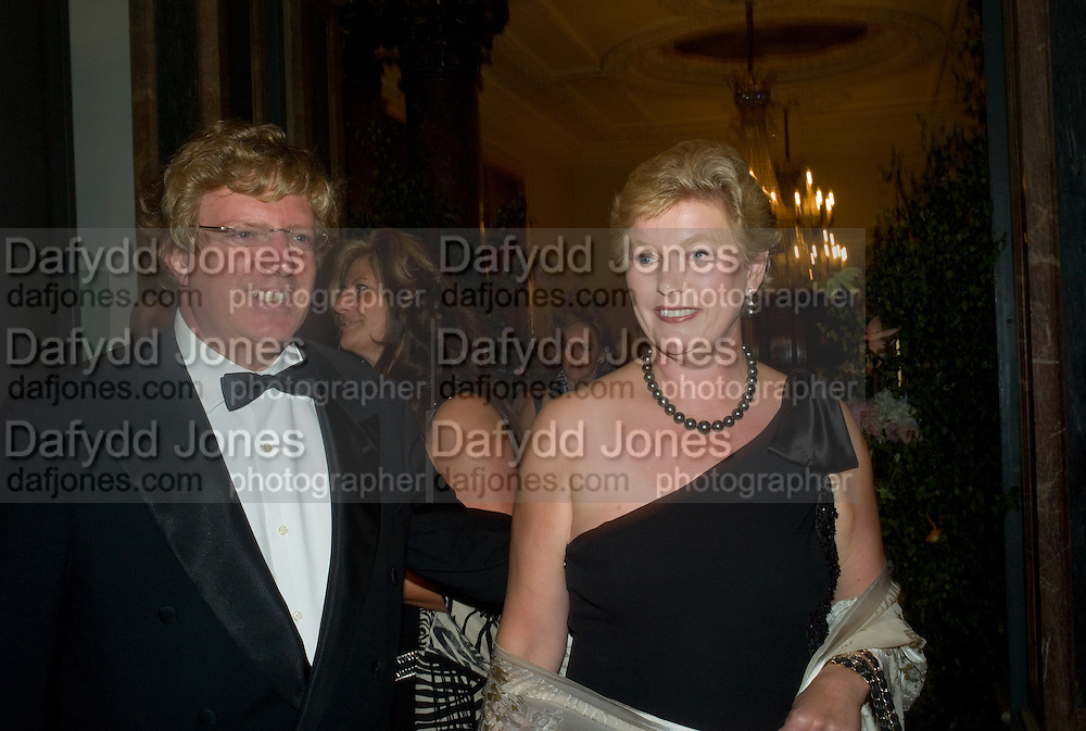 MR. AND MRS. GUY HANDS, The Summer Ball. Royal Academy. Picadilly. London. 16 June 2008. *** Local Caption *** -DO NOT ARCHIVE-© Copyright Photograph by Dafydd Jones. 248 Clapham Rd. London SW9 0PZ. Tel 0207 820 0771. www.dafjones.com.