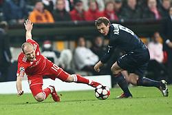 21-04-2010 VOETBAL: BAYERN MUNCHEN - OLYMPIQUE LYON: MUNCHEN<br /> Halve finale Champions League / Arjen Robben en  Kim Kallstrom<br /> ©2010-FRH-nph / Straubmeier