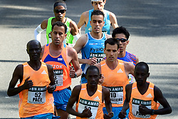 13-04-2014 NED: Marathon van Rotterdam<br /> Khalid Choukoud (midden) finished als beste Nederlander tijdens de marathon Rotterdam. De Haagse atleet eindigde in zijn debuut op de 42,195 kilometer als zevende in 2.10.51<br /> Voor Choukoud Koen Raymaekers