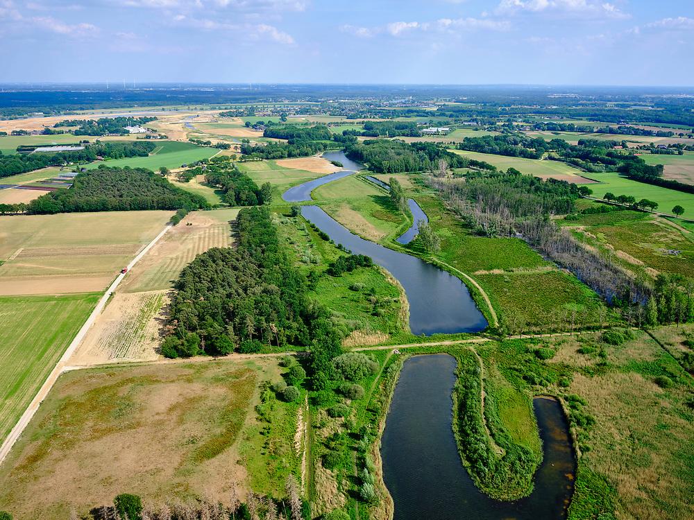 Nederland, Limburg, Gemeente Venray; 27-05-2020; Blitterwijk, Natuurreservaat 't Sohr, Oude Maasarm. De Maasarm functioneert ook als waterafvoer bij hoogwater en vormt tevens een waterbuffer.<br /> Nature reserve 't Sohr, Oude Maasarm. The old Maas branch also functions as a water drain during high water and forms a water buffer.<br /> luchtfoto (toeslag op standard tarieven);<br /> aerial photo (additional fee required)<br /> copyright © 2020 foto/photo Siebe Swart