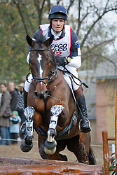 Fox-Pitt William - Oslo<br /> World Championship Young Eventing Horses<br /> Le Lion d'Angers 2009<br /> © Hippo Foto - Christophe Bricot