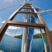 Interesting sailing boat mast construction.