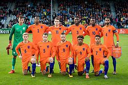(top L-R) goalkeeper Justin Bijlow of Jong Oranje, Denzel Dumfries of Jong Oranje, Oussama Idrissi of Jong Oranje, Timothy Fosu-Mensah of Jong Oranje, Riechedly Bazoer of Jong Oranje, Jeremiah St. Juste of Jong Oranje <br />(bottom L-R) Frenkie de Jong of Jong Oranje, Thomas Ouwejan of Jong Oranje, Bart Ramselaar of Jong Oranje, Steven Bergwijn of Jong Oranje, Justin Kluivert of Jong Oranje during the EURO U21 2017 qualifying match between Netherlands U21 and Latvia U21 at the Vijverberg stadium on October 06, 2017 in Doetinchem, The Netherlands