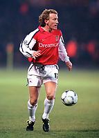 Ray Parlour (Arsenal). Shakhtar Donetsk 3:0 Arsenal, UEFA Champions League, Group B, Centralny Stadium, Donetsk, Ukraine, 7/11/2000. Credit Colorsport / Stuart MacFarlane.