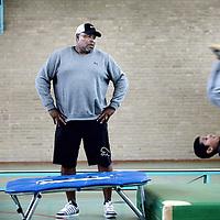 Nederland, Hoofddorp , 30 september 2014.<br /> Oud Nederlands-surinaamse voetballer hier in een sportzaaltje in Hoofddorp om  buurt kinderen na school te helpen met bewegen en sporten.<br /> Foto:Jean-Pierre Jans
