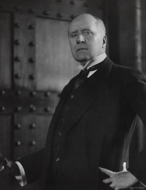 Herbert Beerbohm Tree, actor, manager, England, UK, 1909
