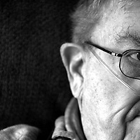 Actor Pat Hingle pauses during an interview at his home in Carolina Beach, N.C. Hingle passed away shortly after the interview in 2008.