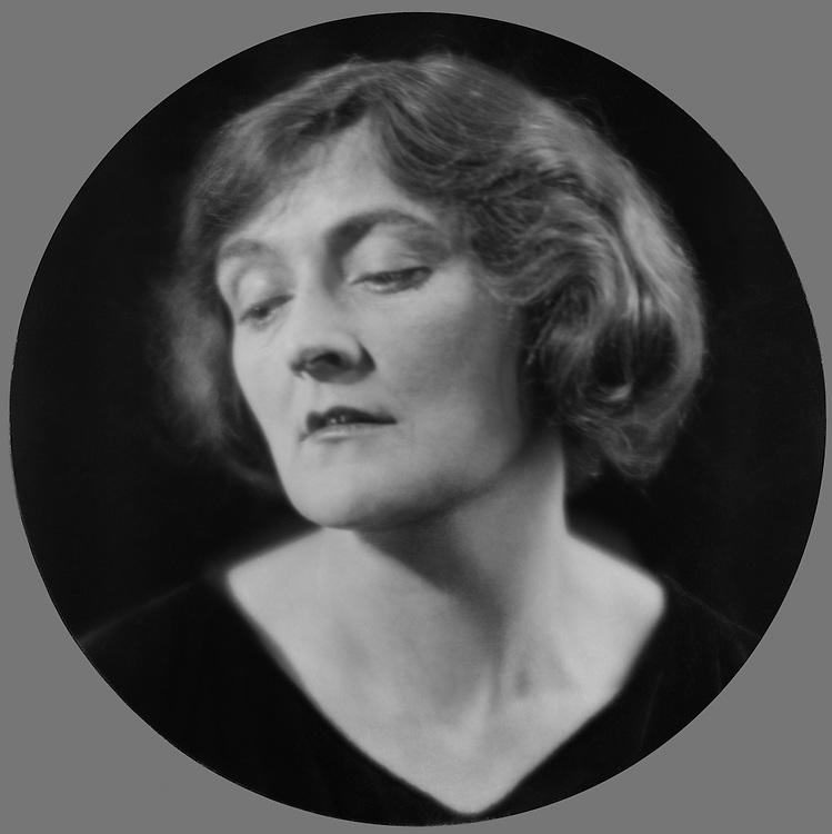 Sybil Thorndike, actress, England, 1922