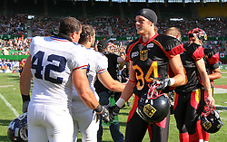16.07.2011, Ernst Happel Stadion, Wien, AUT, American Football WM 2011, Germany (GER) vs France (FRA), im Bild shakehands between Cédric Cotar (France, #42, LB ) and Niklas Römer (Germany, #84, WR) after the game // during the American Football World Championship 2011 game, Germany vs France, at Ernst Happel Stadion, Wien, 2011-07-16, EXPA Pictures © 2011, PhotoCredit: EXPA/ T. Haumer