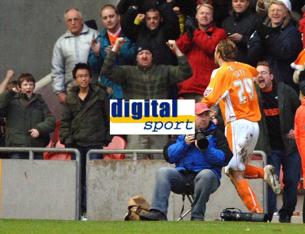 Photo: Paul Greenwood.<br />Blackpool v Norwich City. The FA Cup. 27/01/2007. Blackpool's Ian Evatt celebrates scoring