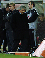 Fotball<br /> England 2004<br /> 13.11.2004<br /> Foto: SBI/Digitalsport<br /> NORWAY ONLY<br /> <br /> Swindon Town v Sheffield Wednesday<br /> FA Cup<br /> <br /> Wednesday manager Paul Sturrock looks dejected.