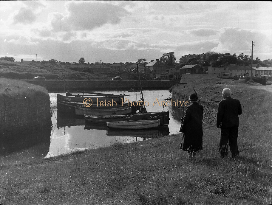 Views - Courtown Harbour, Co. Wexford.01/02/1957
