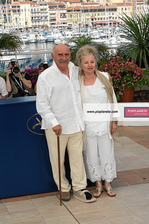 Hanna Schygulla - Tuncel Kurtiz - - Festival de Cannes - Photocall de l'autre côté - 23/05/2007 - JSB / PixPlanete