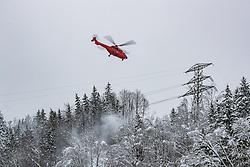 THEMENBILD - Schneechaos in der Steiermark, ein Hubschrauber Fliegt die 110kV Hochspannungsleitung ab und befreit umliegende Bäume von Schnee, aufgenommen am 12.01.2019, Landl, Österreich // a helicopter Flies the 110kV power line and clears surrounding trees of snow taken on 2019/01/12, Landl, Austria, EXPA Pictures © 2019, PhotoCredit: EXPA/ Dominik Angerer