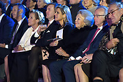 Koning Willem-Alexander en Koningin Máxima en Prinses Beatrix der Nederlanden zijn aanwezig bij de slotviering van 200 jaar Koninkrijk der Nederlanden in Amsterdam. De twee jaar durende viering wordt afgesloten met een bijeenkomst in Koninklijk Theater Carré en met een avond vol optredens op de Amstel.<br /> <br /> King Willem-Alexander and Princess Maxima and Queen Beatrix of the Netherlands to attend the final celebration of 200 years of Kingdom of the Netherlands in Amsterdam. The two-year celebration will end with a meeting in the Royal Theatre Carré and an evening of performances at the Amstel.<br /> <br /> Op de foto / On the Photo: Koning Willem-Alexander en Koningin Máxima met Prinses Beatrix wonen de show bij op de Amstel / <br /> King Willem-Alexander and Queen Maxima with Princess Beatrix attend the show on the Amstel