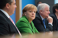 27 NOV 2013, BERLIN/GERMANY:<br /> Sigmar Gabriel (L), SPD Parteivorsitzender, Angela Merkel (M), CDU Parteivorsitzende und geschaeftsfuehrende Bundeskanzlerin, Horst Seehofer (R), CSU Vorsitzender und Ministerpraesident Bayern, Pressekonferenz zur Einigung ueber einen Koalitionsvertrag, Bundespressekonferenz<br /> IMAGE: 20131127-01-043<br /> KEYWORDS: BPK