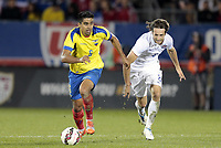 Fotball<br /> USA v Ecuador<br /> 10.10.2014<br /> Foto: imago/Digitalsport<br /> NORWAY ONLY<br /> <br /> Ecuador s Christian Noboa (6) chsed by United States Mix Diskerud (8). The Men s National Team of the United States and the Men s National Team of Ecuador played to a 1-1 draw in an international friendly at Rentschler Field in East Hartford, CT.<br /> <br /> Mikkel Mix Diskerud