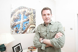 Matt Meets Historian Ashley Cowie in Glasgow. He is doing a seven part series for The Scottish Sun on Scotland's treasure hunts at the end of April..©Michael Schofield..