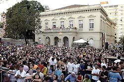 RS - Porto Alegre - Teatro São Pedro - Show do grupo teatral Tangos e Tragédias na Praça da Matriz.<br /> <br /> Foto: L. A. Guerreiro/Preview.com