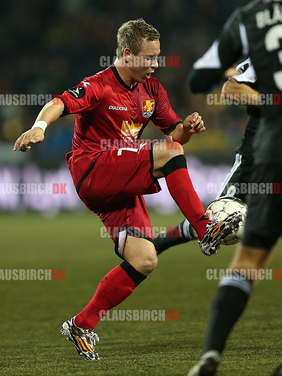 FODBOLD: Uffe Bech (FC Nordsjælland) under kampen i Superligaen mellem FC Nordsjælland og AaB den 27. oktober 2014 i Farum Park, Farum. Foto: Claus Birch