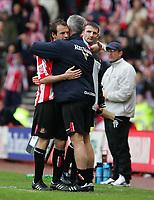 Fotball<br /> England 2004/2005<br /> Foto: SBI/Digitalsport<br /> NORWAY ONLY<br /> <br /> Sunderland v Stoke City, Coca-Cola Championship, Stadium of Light, Sunderland 08/05/2005.<br /> <br /> Sunderland's manager, Mick McCarthy (R) gives Marcus Stewart (L) a hug as he is substituted.